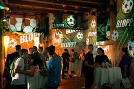 - Blopp WM - Raumprojektionen - Ottakringer Brauerei.   Konzept, Produktion und ProjektionsTechnik -  MODULUX (Implementierung/Johannes Menneweger bei Lichttapete)  Kunde: Ottakringer Brauerei