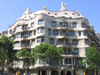 American, do you like Spain? Invest in housing