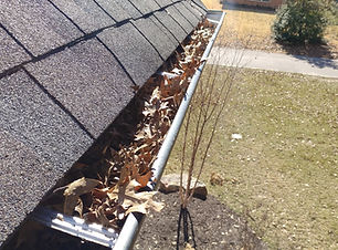 gutter-cleaning-minnesota-wisconsin.jpg