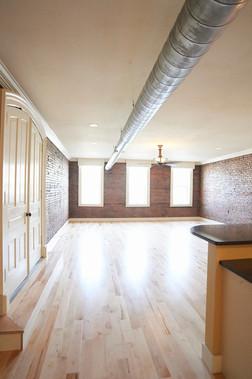 hc35226_puckett-upstairs-condo-12.jpg