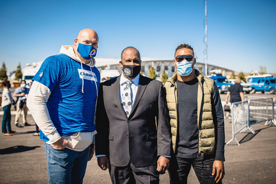 Andrew Whitworth, Kenny Young discuss assisting vaccination efforts at SoFi Stadium