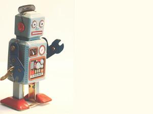 Menschen sind intelligenter, Roboter fürchten um ihre Jobs.