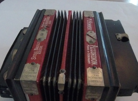 Into the Collections: Accordion
