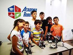 Copii-de-la-tabara-de-vara-de-robotica-la Academia de Robotica