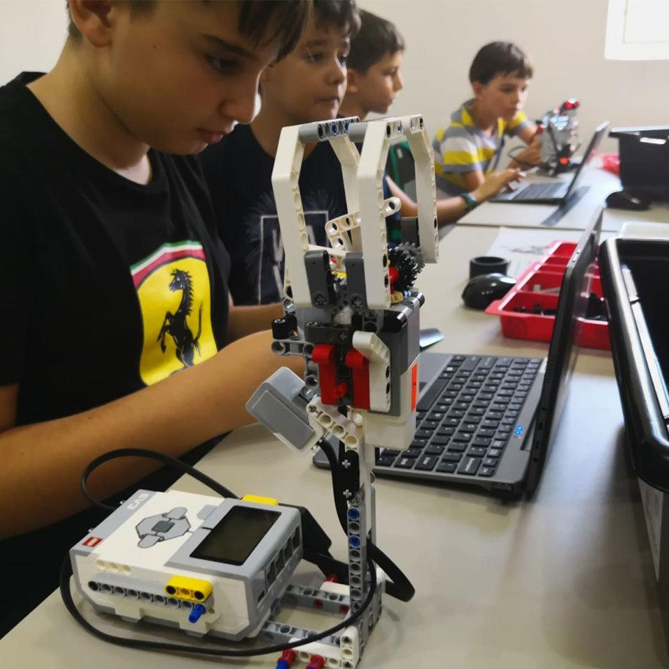 ROBOTICĂ PRO 10-14 ani
