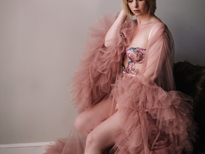 What NOT to bring to your boudoir session...