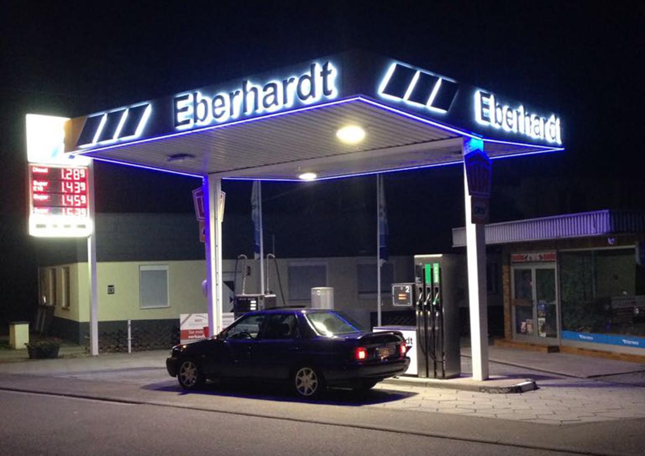 Eberhardt_Tankstelle (2).JPG