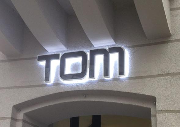 Tom_Männersachen_Schriftzug.jpg