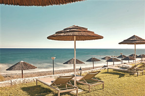 beach-bar-limassol_edited.jpg