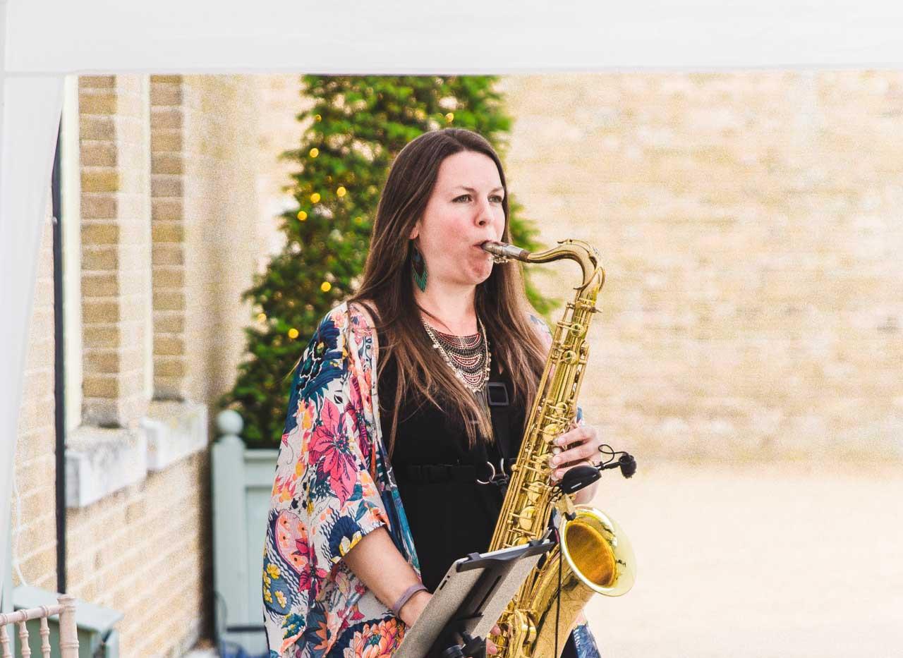 IMG_3442.jpgCaron Robinson, Saxophonist for Playback