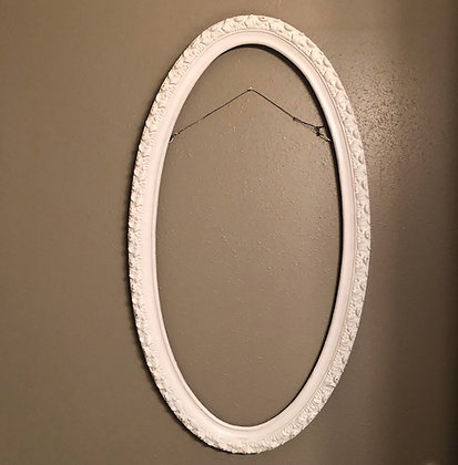White Oval Vintage Frame