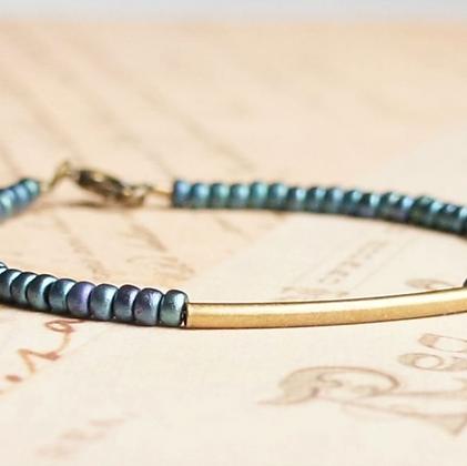 "7"" Metallic Blue Seed Bead And Bronze Bar Bracelet"