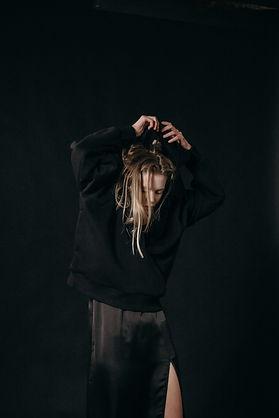woman-wearing-a-black-hoodie-3894531.jpg