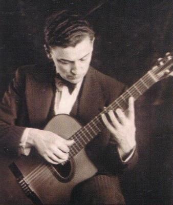 Mario-Maccaferri-1932-338x400.jpg