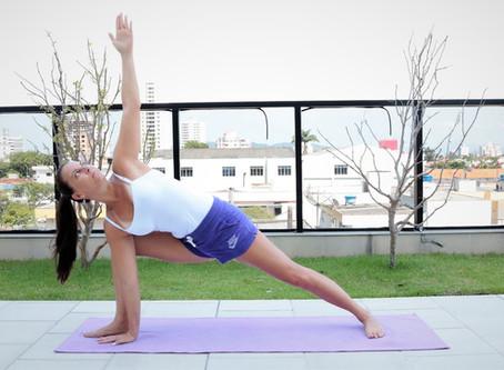 Que tal conhecer uma aula de Hatha Vinyasa Yoga?
