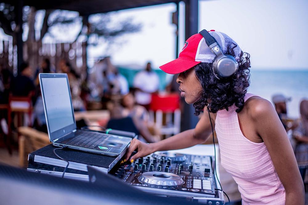 Dallas DJ - Be Entertained Events - DJ in Dallas - social event dj