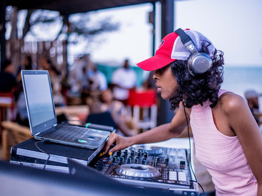 Why You Need a Dallas DJ For Your Social Events