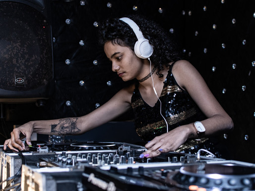 13 Important Questions You Need to Ask Your Wedding DJ