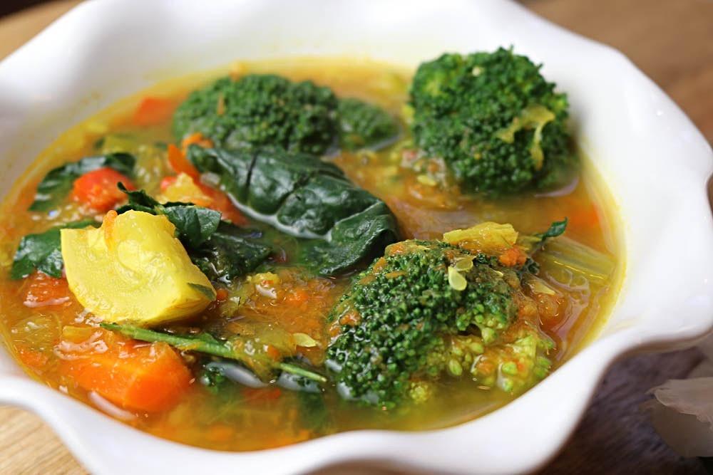 Vegan Detox Vegetable and Turmeric Soup