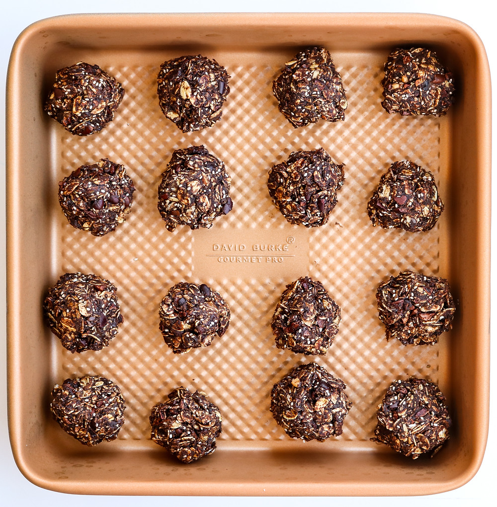 Chocolate Peanut Butter Energy Ball