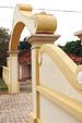 Portal formado pelos muros do antigo par