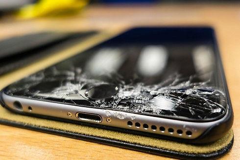 broken-screen-iPhone-6-Plus-780x520-780x