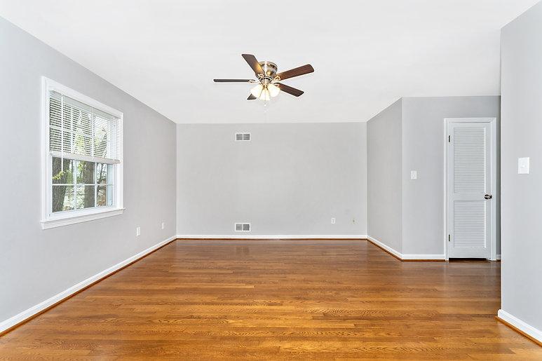 a_Empty Bedroom.jpg
