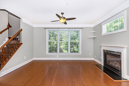 a_Empty Living Room.jpg