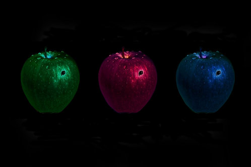 Glowing Apples (Christian Bergenstråhle)
