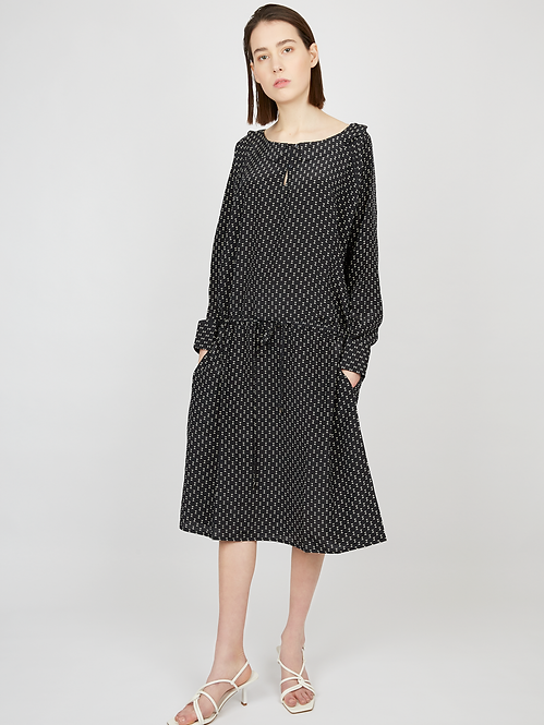 Black silk loose-fit silk dress with geometry print