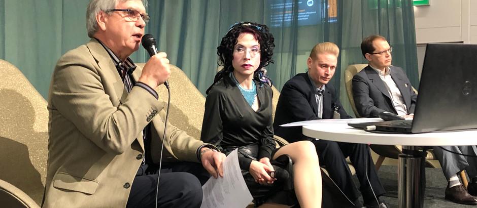 """""""Kun Venäjästä kirjoittaa, Venäjä reagoi"""" – Sofi Oksanen ottaa kantaa sananvapauden puolesta"""