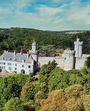 Vue aérienne du Château de Veauce