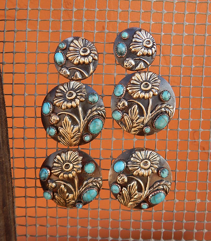 Turquoise Daisy Saddle Concho Set