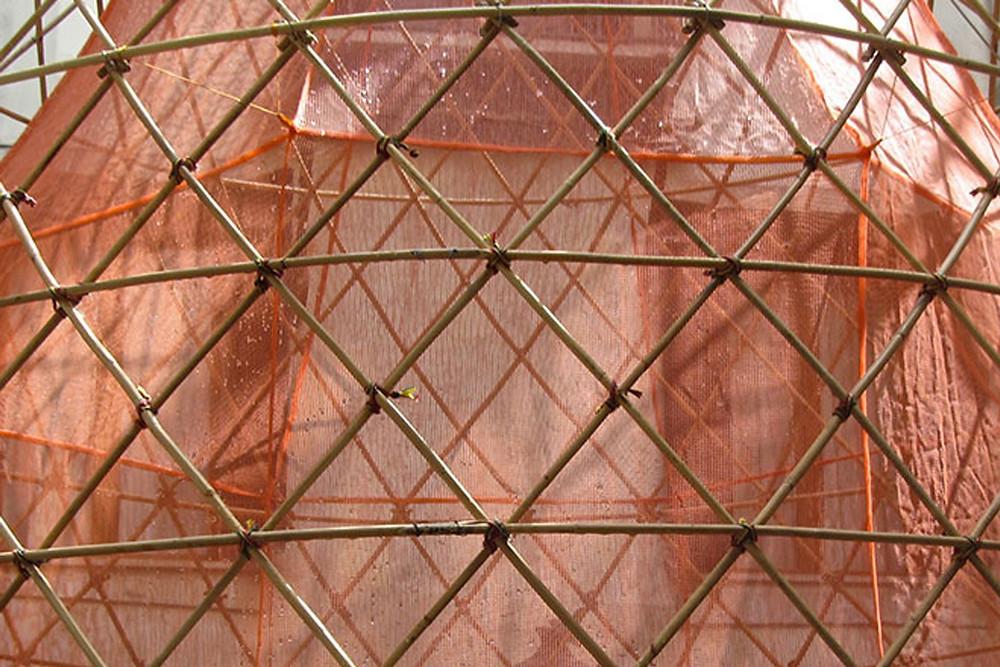 Visão externa da estrutura do WarkaWater.