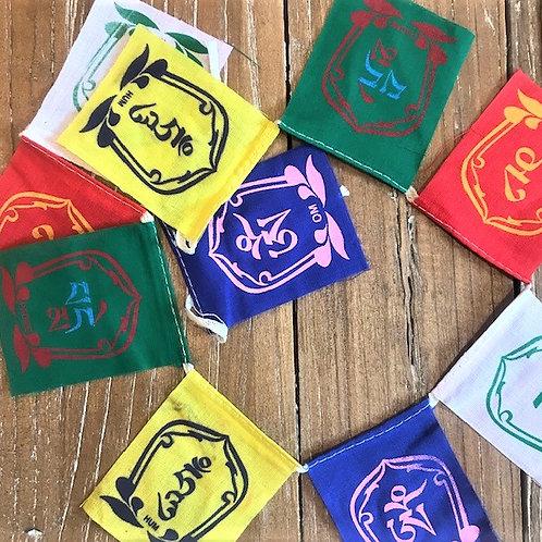 Om Mani Padme Hum maldos vėliavėlės