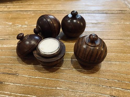 Indiški sausi kvepalai (medinėje dėžutėje)