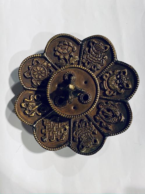 Smilkalinė  8 Tibeto simboliai