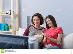 How a Person Can Watch a Movie Online with a Friend