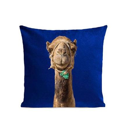 Artpilo – Coussin - Smiling Camel - Bleu Klein