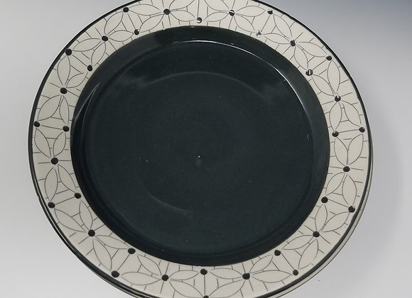 "10"" Dinner plate with Flower with Lines Pattern"