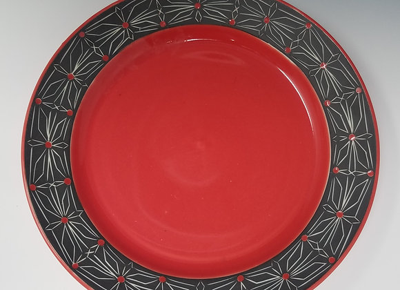 "10"" Dinner plate with Gothic Flower Pattern"