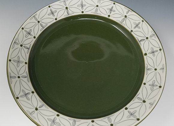 """10"""" Dinner plate with Green Flower Pattern"""