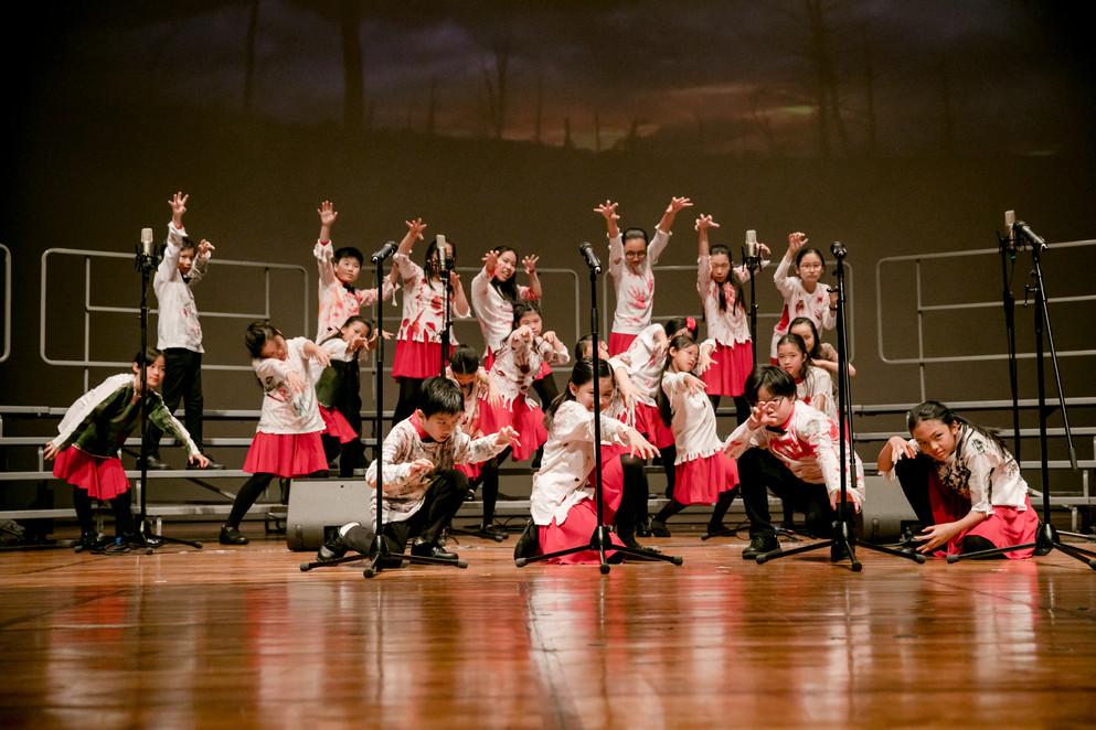 0297_A&B_28 april_the show choir_johnnyp