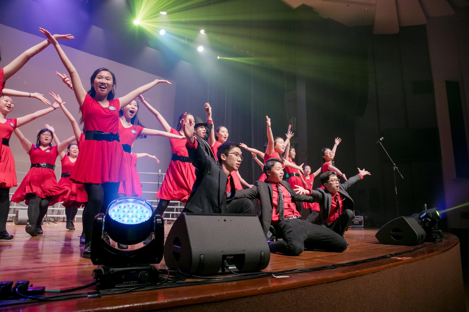 0028_flash_28 april_the show choir_johnn