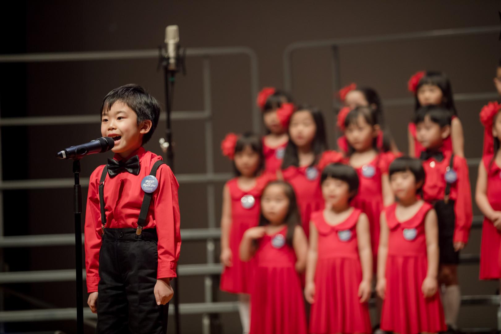 0074_mini_29 april_the show choir_johnny