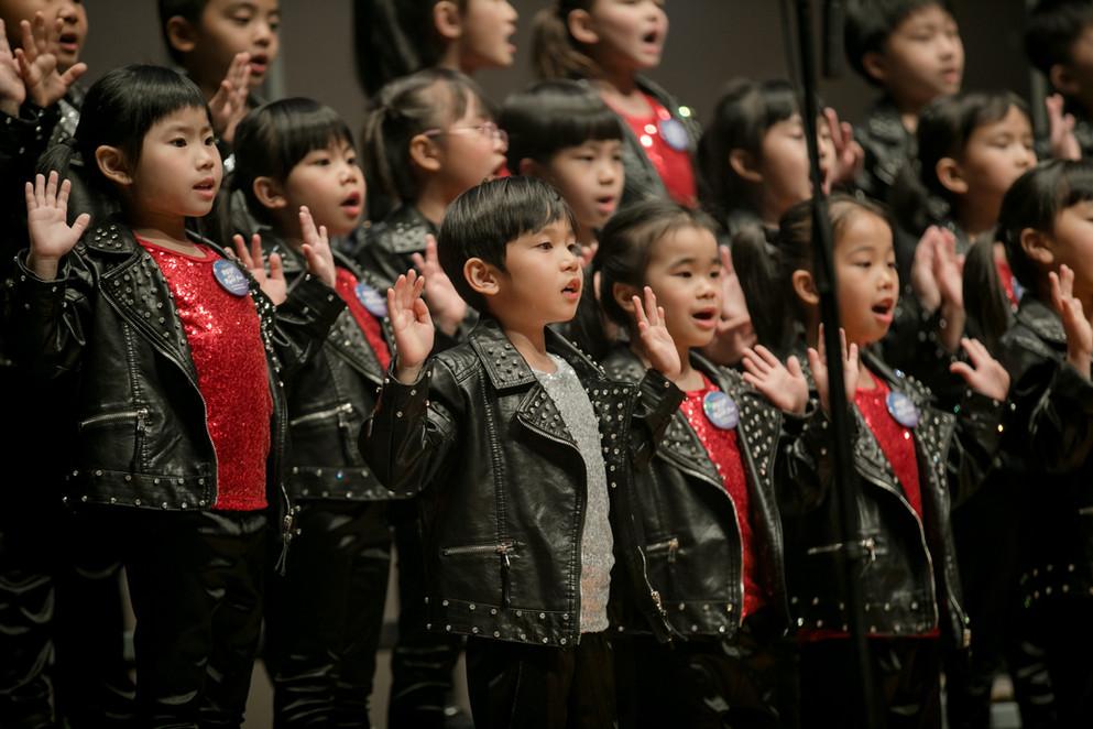 0136_GO_29 april_the show choir_johnnypr
