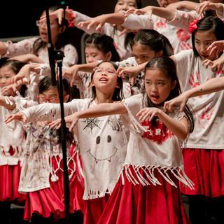 0272_A_B_28 april_the show choir_johnnyp