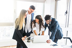 group-of-businesspeople-standing-in-the-