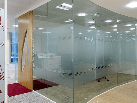 Make Your Office Interior Flamboyant with Frosted Glass