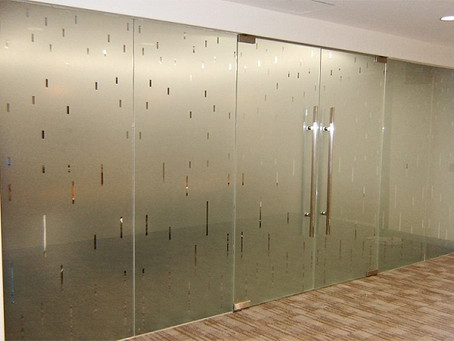 Frosted Glass in Florida- A Wonderful Option to Decorate Your Office